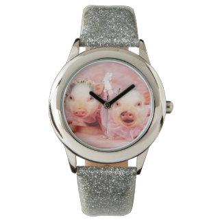 ピンクのブタの子供のグリッターの腕時計でかわいらしい 腕時計