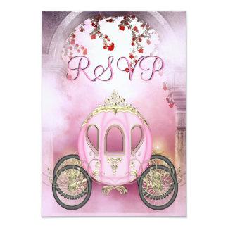 ピンクのプリンセスキャリッジによって魅了されるRSVP カード