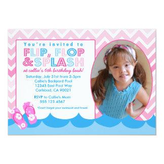 ピンクのプールの水泳のパーティーの誕生日の招待の水泳 カード