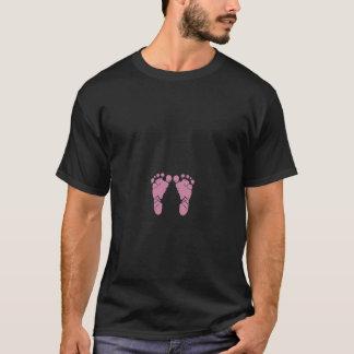 ピンクのベビーの足跡 Tシャツ