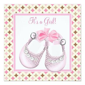 ピンクのベビー靴のピンクのブラウンの女の赤ちゃんのシャワー カード