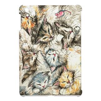 ピンクのマウスを持つ睡眠の猫そして子ネコ iPad MINIケース