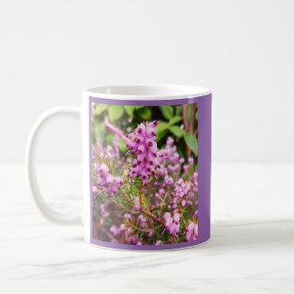 ピンクのマツ コーヒーマグカップ