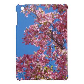ピンクのミズキおよび青空 iPad MINIカバー