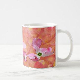 ピンクのミズキの花のデザインのマグ コーヒーマグカップ