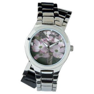 ピンクのミズキの花の腕時計 腕時計