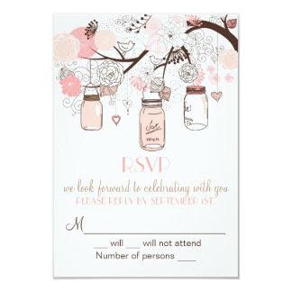 ピンクのメーソンジャーおよび愛鳥RSVPの結婚式の招待 カード