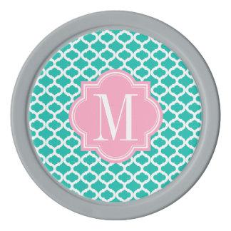 ピンクのモノグラムが付いているティール(緑がかった色)のモロッコパターン ポーカーチップ