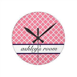 ピンクのモロッコの名前入りな時計 ラウンド壁時計