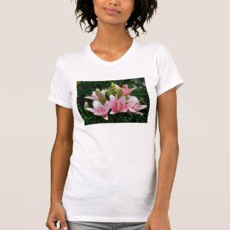 ピンクのユリ Tシャツ