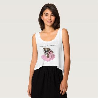 ピンクのリボンのブルドッグの子犬のサンプル慈善のワイシャツ タンクトップ