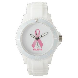 ピンクのリボンの腕時計の乳癌は信じます 腕時計