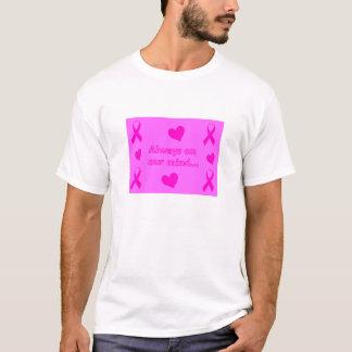 ピンクのリボン及びハート Tシャツ