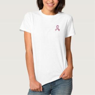ピンクのリボン-乳癌の認識度 刺繍入りTシャツ