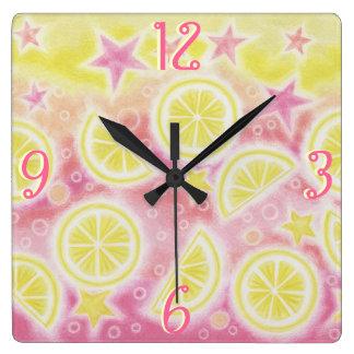ピンクのレモネードは時計の正方形に「番号を付けます」 スクエア壁時計