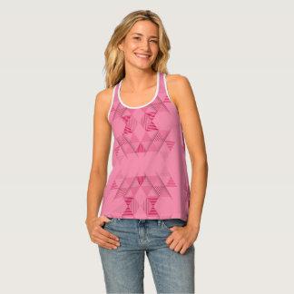 ピンクの三角形パターン タンクトップ