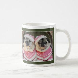 ピンクの休日のパグ、パグによるパグのマグおよびキス コーヒーマグカップ
