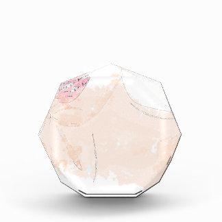 ピンクの唇を搭載する女性 表彰盾