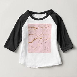 ピンクの大理石 ベビーTシャツ