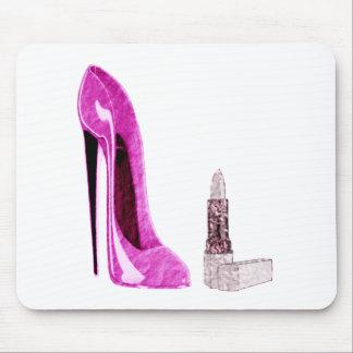 ピンクの小剣の靴および口紅の芸術 マウスパッド