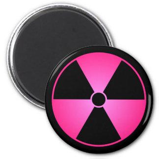 ピンクの放射の記号 マグネット