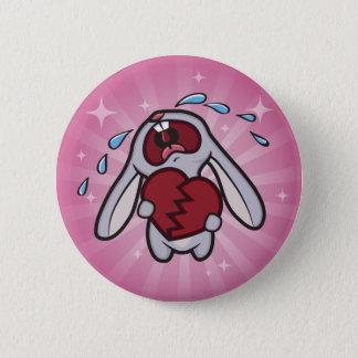 ピンクの日が差すことボタンが付いている壊れた心があるバニー 5.7CM 丸型バッジ