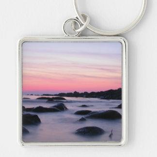 ピンクの日の出の海のビーチ キーホルダー