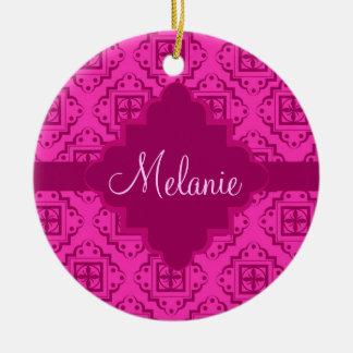 ピンクの明るい赤紫色及びマゼンタのアラベスクのモトッコ人のグラフィック 陶器製丸型オーナメント