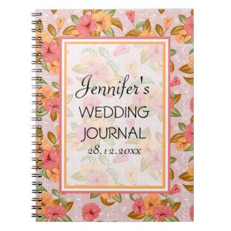 ピンクの春の花の結婚式ジャーナル ノートブック