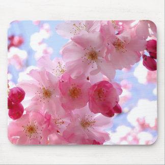 ピンクの春の花 マウスパッド