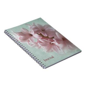 ピンクの春のHyacinthの庭ジャーナルノート ノートブック