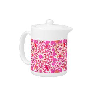 ピンクの曼荼羅パターン、色合いおよび珊瑚