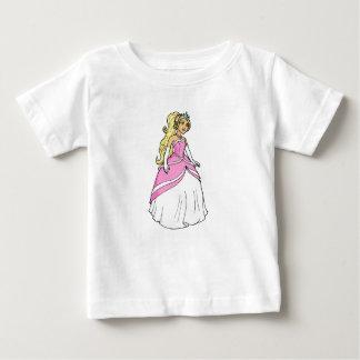 ピンクの服のアートワークの写真の美しいプリンセス ベビーTシャツ