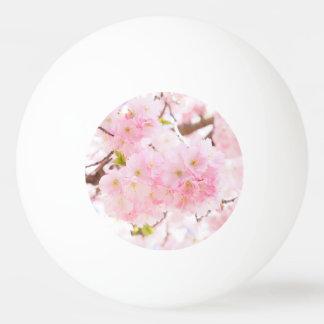 ピンクの木のさくらんぼの花 卓球ボール