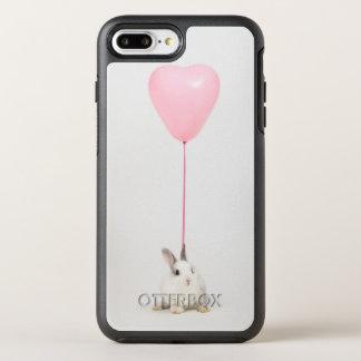 ピンクの気球が付いているウサギ オッターボックスシンメトリーiPhone 8 PLUS/7 PLUSケース
