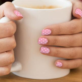 ピンクの水玉模様 ネイルアート