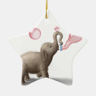 ピンクの泡を吹いているかわいい象 セラミックオーナメント