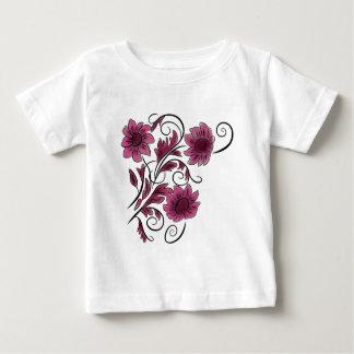 ピンクの渦巻形のな花 ベビーTシャツ
