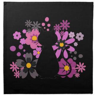 ピンクの猫によっては布のナプキンが開花します ナプキンクロス