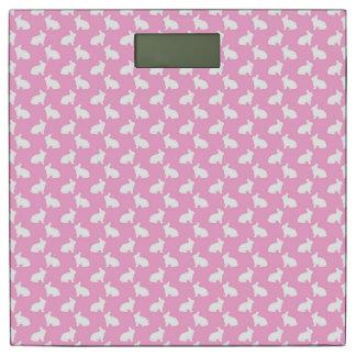 ピンクの白いイースターのウサギ 体重計