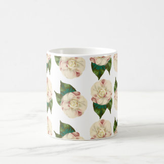 ピンクの白いツバキパターン モーフィングマグカップ