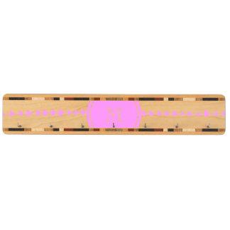 ピンクの白くアステカな矢のモノグラム キーラック