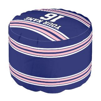 ピンクの白のストライプのチームジャージーが付いている濃紺 プーフ