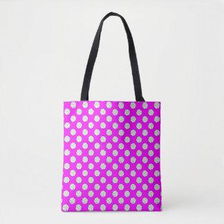 ピンクの白黒のバレーボールの球 トートバッグ
