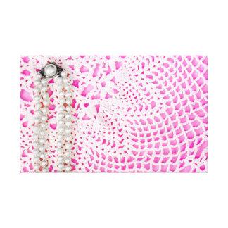 ピンクの真珠及びレース キャンバスプリント