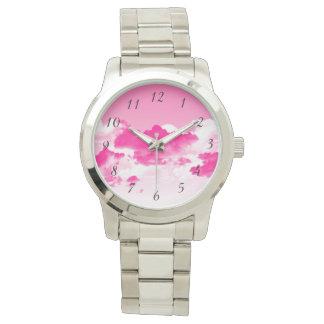 ピンクの空および雲の腕時計 腕時計