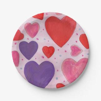 ピンクの紫色および赤いバレンタインデーのハート ペーパープレート