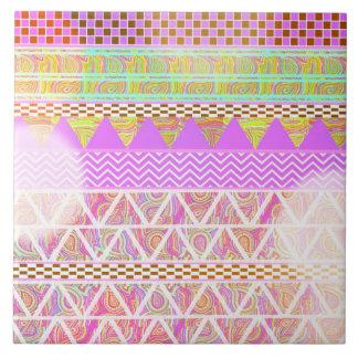 ピンクの紫色の明るい民族の抽象的な《写真》ぼけ味パターン タイル