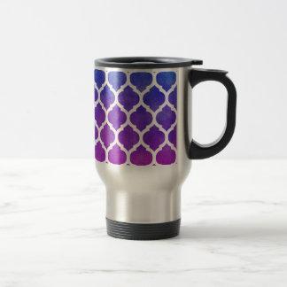ピンクの紫色の青くグラデーションなモロッコの格子 トラベルマグ
