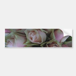 ピンクの緑バラの花の花束 バンパーステッカー